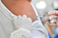 Câmara autoriza e solicita compra de vacinas e realização de testes em massa na população.