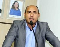 Rodrigo Froés solicita reforma urgente de Escola Estadual
