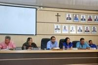 Vereadores apreciam mais de cinco projetos na sessão desta terça.