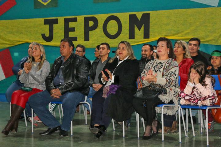 Vereadores participam de solenidade de abertura do JEPOM 2018 – Jogos Escolares de Porto Murtinho.