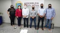 Vereadores viabilizam através do Deputado Paulo Corrêa emenda para compra de veículo apara atender professores.